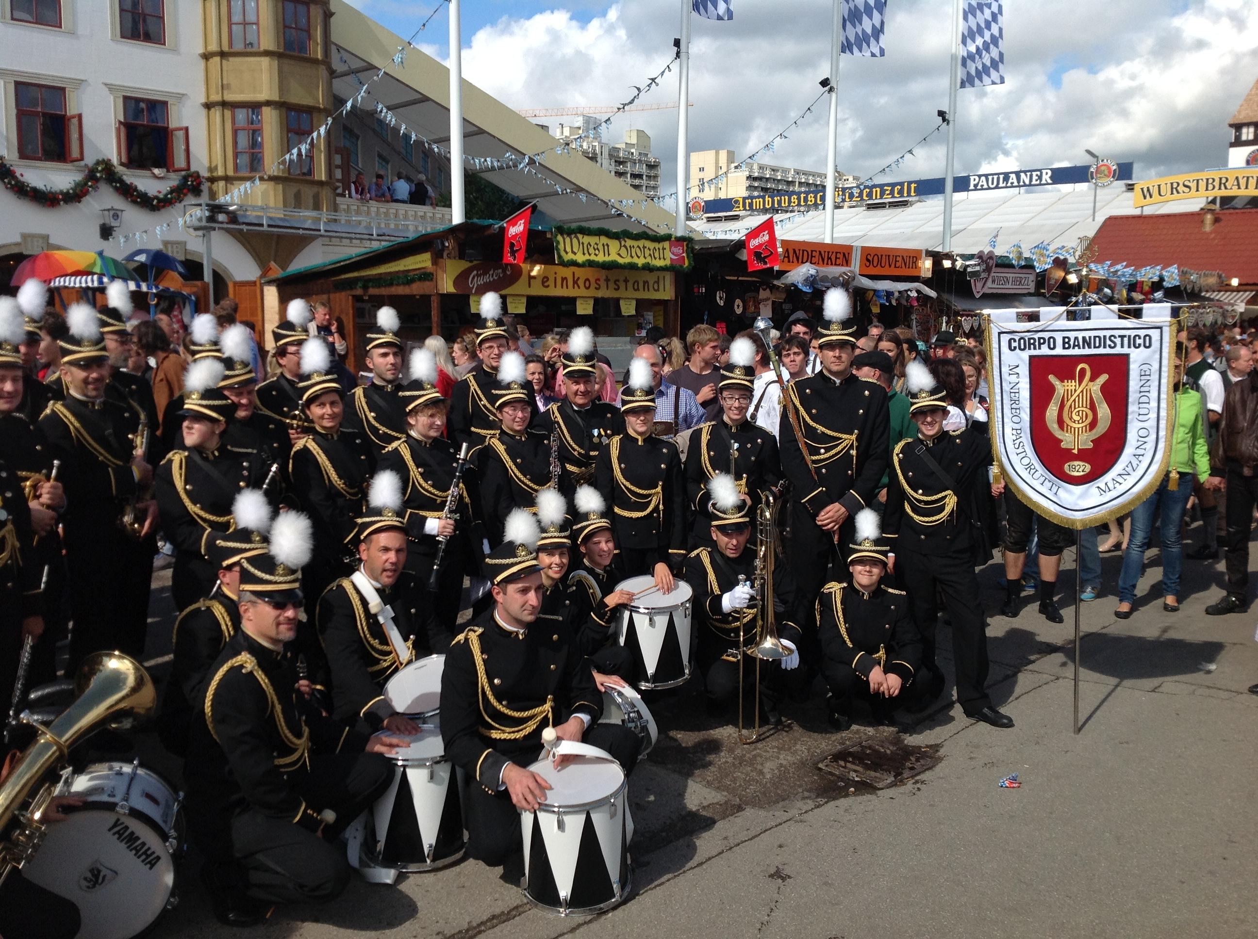 MOnaco di Baviera: sfilata inaugurazione Oktoberfest 2014